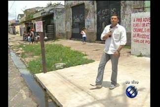 LIxo e entulho na avenida José Bonifácio são recolhidos - O local era depósito de lixo até o início do ano, quando a reportagem da TV Liberal foi até o local após uma denúncia.