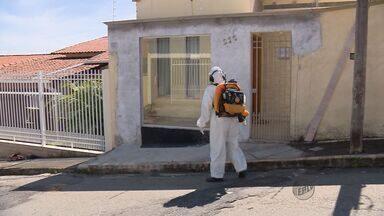 Agentes combatem focos da dengue no bairro Parque Boa Vista em Varginha - Agentes combatem focos da dengue no bairro Parque Boa Vista em Varginha