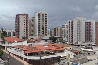 Mercado imobiliário espera por bons negócios em 2013 na capital - Oferta de apartamentos aumentou e a procura por imóveis, principalmente para aluguel, também cresceu. Nesses primeiros quatro meses, os profissionais já perceberam um aquecimento do setor, e comemoram um aumento de pelo menos 20% em relação a 2012.