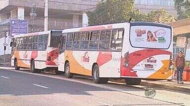 Passageiros reclamam dos motoristas, dos atrasos e da falta de ônibus em São Carlos - Passageiros reclamam dos motoristas, dos atrasos e da falta de ônibus em São Carlos, SP.