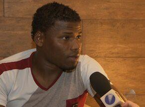 Destaque em 2012, Lúcio Maranhão se prepara para começar 2013 - Artilheiro com 40 gols no ano passado, este ano o jogador ainda não balançou as redes.