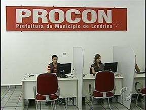 Estagiários reforçam o atendimento no Procon de Londrina - Com os novos atendentes, a promessa é tornar mais fácil a vida de quem procura o Procon para fazer uma reclamação.