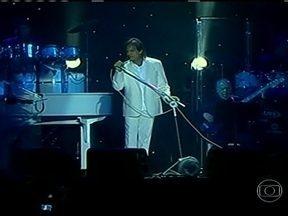 Roberto Carlos comemora aniversário com grande show em Porto Alegre - O Rei Roberto Carlos fez 72 anos nesta sexta-feira (19). Para comemorar a data, ele fez um grande show em Porto Alegre, como parte de sua turnê que começou em Santa Catarina.