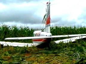 Avião faz pouso forçado em um milharal em Sinop - Serão apuradas as causas da queda de um avião na região do aeroporto municipal de Sinop.