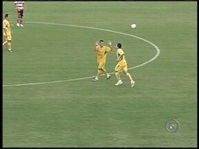 Mirassol vence, mas é rebaixado - Mesmo com a vitória sobre o Linense, o Mirassol não conseguiu escapar do rebaixamento para a Série A2 do Campeonato Paulista