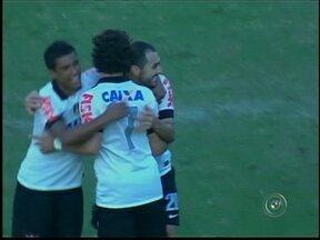 Atlético Sorocaba perde para o Corinthians - Livre do rebaixamento, o Atlético Sorocaba foi até o Pacaembu enfrentar o Corinthians, mas saiu derrotado por 2 a 0 pelo time do Parque São Jorge