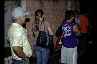 População tem dificuldades para conseguir consultas no Ophir Loyola, em Belém - Pessoas contam que passam até 24 horas para conseguir atendimento.