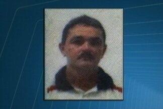 Mototaxista morre ao se envolver em acidente com caminhão em Sousa, PB - Motorista do caminhão deixou o local do acidente.