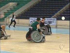 Rugby para cadeirantes mostra que não existem barreiras para a prática esportiva - Esporte adaptado une homens e mulheres que são exemplos de superação