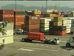 Medida provisória propõe mudanças na infraestrutura dos portos do Brasil - Os portos brasileiros estão com muitas filas. O comércio exterior enfrenta problemas graves de infraestrutura. Uma medida provisória aprovada em uma comissão do Congresso promete mudanças. Alguns pontos votados podem ser vetados pela Dilma.