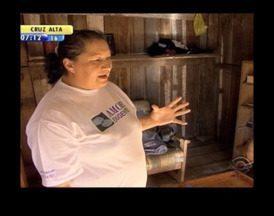Mulher relata a busca de internação para o filho usuário de drogas - Vaga para o jovem já foi agendada.