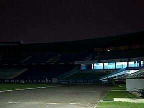 Silencioso e vazio, Olímpico emociona torcedores e funcionários do Grêmio - Estádio deixou de ser a casa do clube após a construção da Arena.
