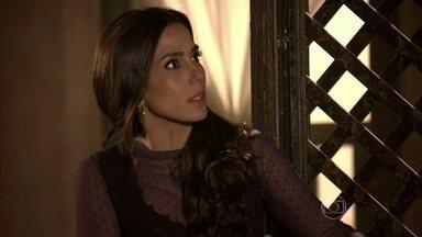 Ayla foge de uma conversa com Zyah - Bianca reclama de sua situação com Cyla e discute com Sarila na rua