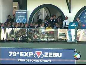 Dilma recebe pedidos de Piau e Anastasia na abertura da ExpoZebu - Prefeito de Uberaba solicitou apoio para a região metropolitana. Presidente garantiu extensão do aeroporto da cidade.