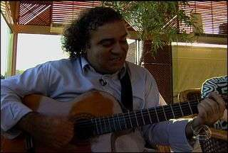 Zédu canta suas canções no Meu MS - O cantor e compositor Zédu é de São Paulo e em suas composições demonstra a grande influência da música de fronteira de Mato Grosso do Sul. Conheça agora um pouco sobre a história desse artista.