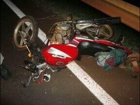 Motociclista morre em acidente de trânsito na BR 277 em Medianeira - A Polícia Rodoviária Federal informou que Antônio Vicente de Almeida, de 36 anos, perdeu o controle da moto e caiu na rodovia.
