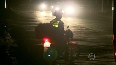 Pessoas que moram perto da MG-20, em BH, reclamam da falta de iluminação - São cerca de 5 quilômetros no escuro.