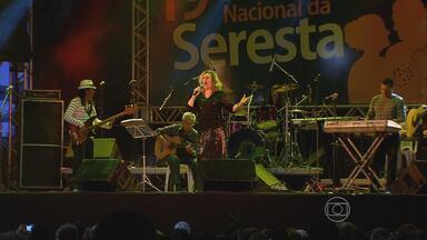 Festival da Seresta faz homenagem às mães - Evento ocorre no Bairro do Recife, neste sábado (11).