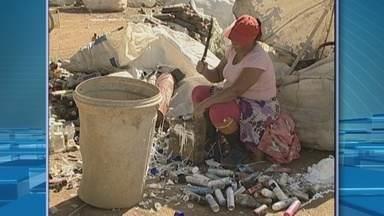 Em Ji-Paraná, mães catadoras dão exemplo de força e superação - As personagens trabalham no lixão da cidade, e foi assim que uma delas venceu a depressão