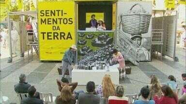 Caminhão itinerante leva história de lutas por terras no Brasil a Pouso Alegre - Caminhão itinerante leva história de lutas por terras no Brasil a Pouso Alegre