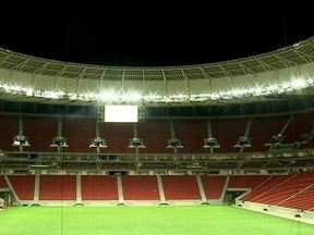 Iluminação do Estádio Nacional Mané Garrincha passa testes no DF - Os 446 refletores instalados foram ligados. Foram necessários 20 minutos para acender toda a iluminação. Dois telões de alta resolução e o sistema de som também foram testados.