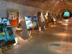 Patrimônios mais importantes da capital recebem exposição de artistas - Na semana nacional dos museus, um dos patrimônios mais importantes da capital, recebe obras de artistas que contam um pouco da história e da cultura cuiabana.
