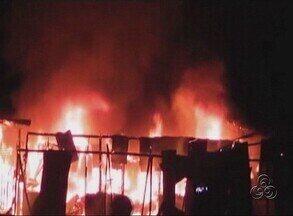 Fogo destrói lojas no centro de Tonantins, no AM - Fogo foi contigo pelos próprios moradores