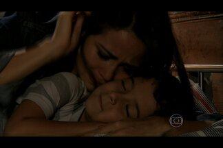 Morena promete não se afastar mais do filho - Junior fica feliz ao reencontrar a mãe