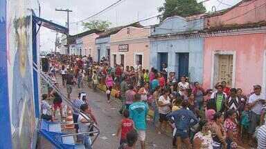 Ação Global realiza 42 mil atendimentos em Igarassu - Foram realizados serviços gratuitos, como a retirada de documentos e orientação jurídica. Projeto é uma parceria entre a Rede Globo e o Sesi.