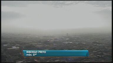 Confira a previsão do tempo nesta quinta em Ribeirão, SP - Chuva durante madrugada alivia seca de mais de um mês.