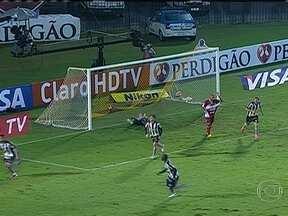 Botafogo vence na Copa do Brasil - O Botafogo venceu o CRB por 3 a 0. O Vitória empatou em 1 a 1 com o Salgueiro. O Cruzeiro goleou o Resende por 4 a 0. O Santos se classificou para a próxima fase com um empate em 0 a 0 com o Joinville.