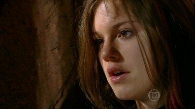 Malhação - Capítulo de sexta-feira, dia 24/05/2013, na íntegra - Lia tenta convencer Sal a libertá-la e fugir com ela