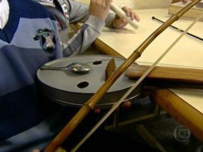 Projeto Reciclar é Show transforma materiais recicláveis em instrumentos - Uma escola em São Bernardo do Campo foi uma das 100 instituições escolhidas em todo o Brasil para participar do projeto. Os alunos aprendem música e ainda têm a oportunidade de criar os próprios instrumentos.