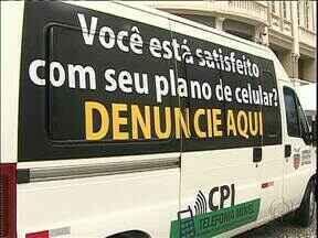 CPI da telefonia móvel vai às ruas para facilitar a denúncia de clientes - No centro de Curitiba foi montada uma tenda para que as pessoas possam fazer as reclamações pessoalmente.