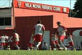 Em meio a problemas, Vila Nova se prepara para estreia na Série C - Time convive com dificuldades financeiras e jogadores estão com salários atrasados há um mês e meio. Tigre estreia às 10 horas, contra o Barueri, no Serra Dourada.