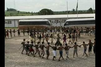 Juiz de Altamira determina saída de índios do canteiro de Belo Monte - Sérgio Guedes concede prazo de 24h para Funai negociar desocupação.Índios pedem presença de representantes do Governo Federal.