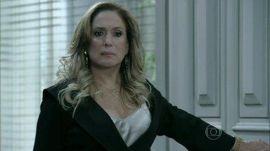 Aline prepara um cup cake para César e Pilar aparece no consultório - O médico convence uma paciente a não interromper sua gravidez