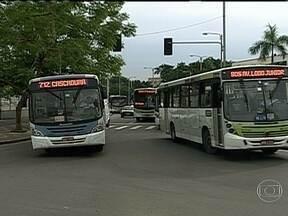 Rio tem reajuste na tarifa de ônibus - As passagens de ônibus no Rio vão aumentar a partir de sábado (01). Será implantada uma tarifa única, permitindo que os passageiros paguem o mesmo valor em ônibus com e sem ar condicionado.
