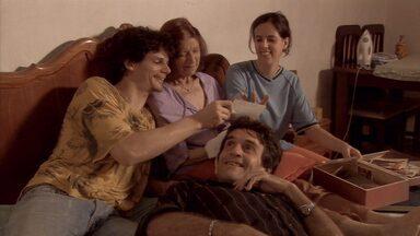 Cotidiana de uma família mineira é tema de filme em cartaz em Belo Horizonte - Diretores e atores falam sobre a produção.