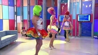 Drags dançam no palco do Encontro ao som do sucesso de Anitta - Elas explicam como se produzem para a Parada Gay