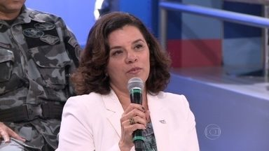 Áurea de Souza fala das pendências da Lei das Domésticas - Juíza do trabalho acredita que essas pendências serão regulamentadas em breve