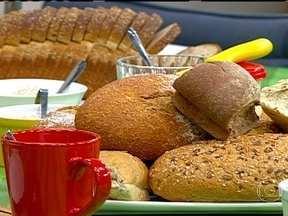 Dieta equilibrada faz parte do controle da diabetes - O endocrinologista Alfredo Halpern ressalta que a vida saudável ajuda a prevenir a diabetes. Uma pesquisa mostrou que homens têm mais facilidade do que as mulheres de controlar a taxa de açúcar no sangue.