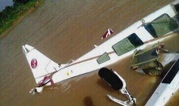 Quatro sobreviventes de acidente aéreo no AM estão internados - Uma das vítimas teve de ser removida para Rio Branco (AC).Um passageiro ainda encontra-se desaparecido.