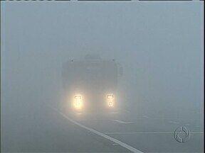 Inverno também tem mais neblina nas estradas - Cuidados para quem viaja nesta época do ano devem ser redobrados.