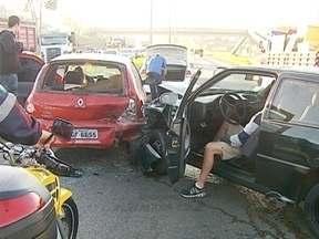 Nove acidentes causam filas em Florianópolis na manhã deste sábado - Nove acidentes causam filas em Florianópolis na manhã deste sábado.