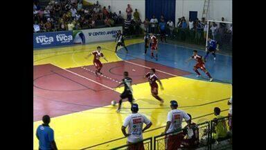 Mixto e Alto Paraguai empatam na abertura da Copa Centro América de Futsal - Oito gols e muito equilíbrio na abertura da Copa Centro América de Futsal.
