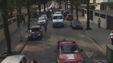 Carreata por doação de agasalhos percorreu ruas de Santos neste sábado (8) - Campanha quer conscientizar população pela importância de doar roupas no inverno