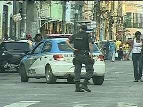 Comércio de morro no Rio fecha as portas por ordem de traficantes - Comerciantes do Morro da Providência, no Rio, fecharam as portas neste sábado (8), por ordem de traficantes. A favela tem uma Unidade de Polícia Pacificadora há três anos.