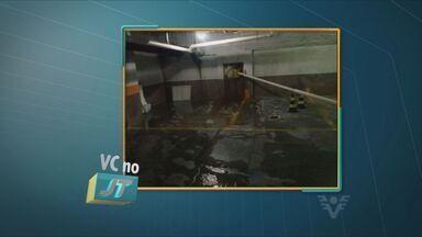 Vazamento de tubulação em prédio é motivo de reclamação de morador - Segundo a Sabesp o problema será resolvido ainda nesta quinta-feira (13)