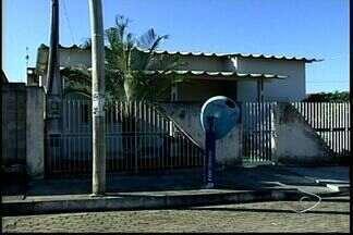 Moradores de distrito em Aracruz, ES, reclamam de falta de médico em posto de saúde - Eles pediram ajuda à Urna do ESTV.